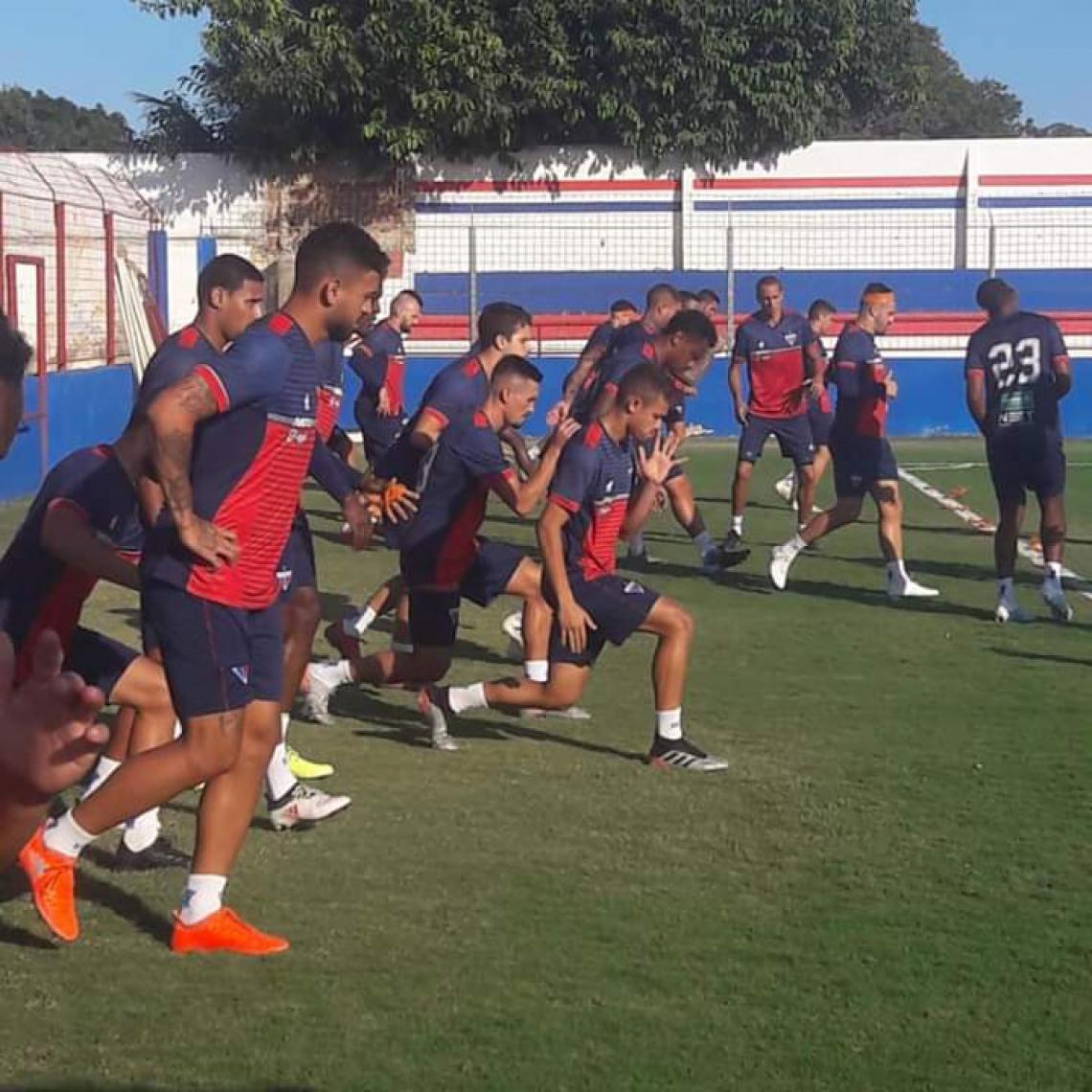 Fortaleza fez um treino com ênfase na parte física na manhã deste sábado, no Pici.