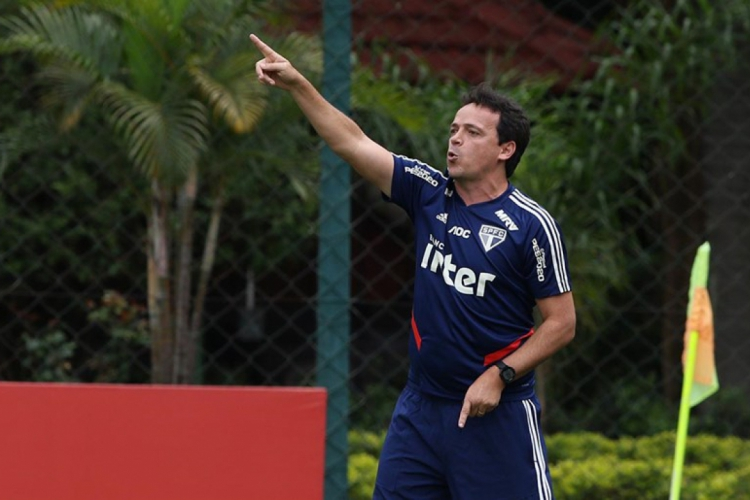 Diniz já foi elogiado por Ceni em outras oportunidades e retribuiu as palavras antes do primeiro embate entre ambos pela Copa do Brasil (Foto: Rubens Chiri / saopaulofc.net)