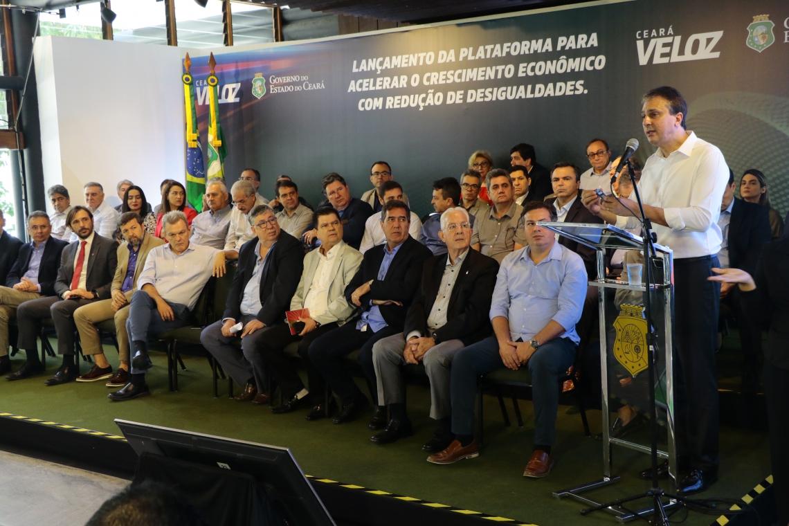 GOVERNADOR Camilo Santana no lançamento do Ceará Veloz