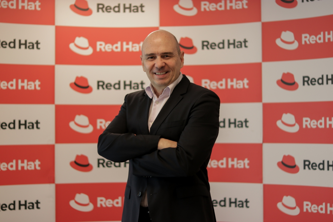Presidente da Red Hat Brasil diz que trabalhar com códigos-fonte livres garante mais economia e liberdade (Foto: Priscila Smiths/Especial para O POVO)