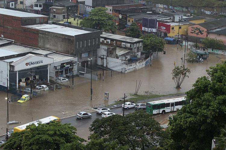 As chuvas causaram transtornos em Salvador