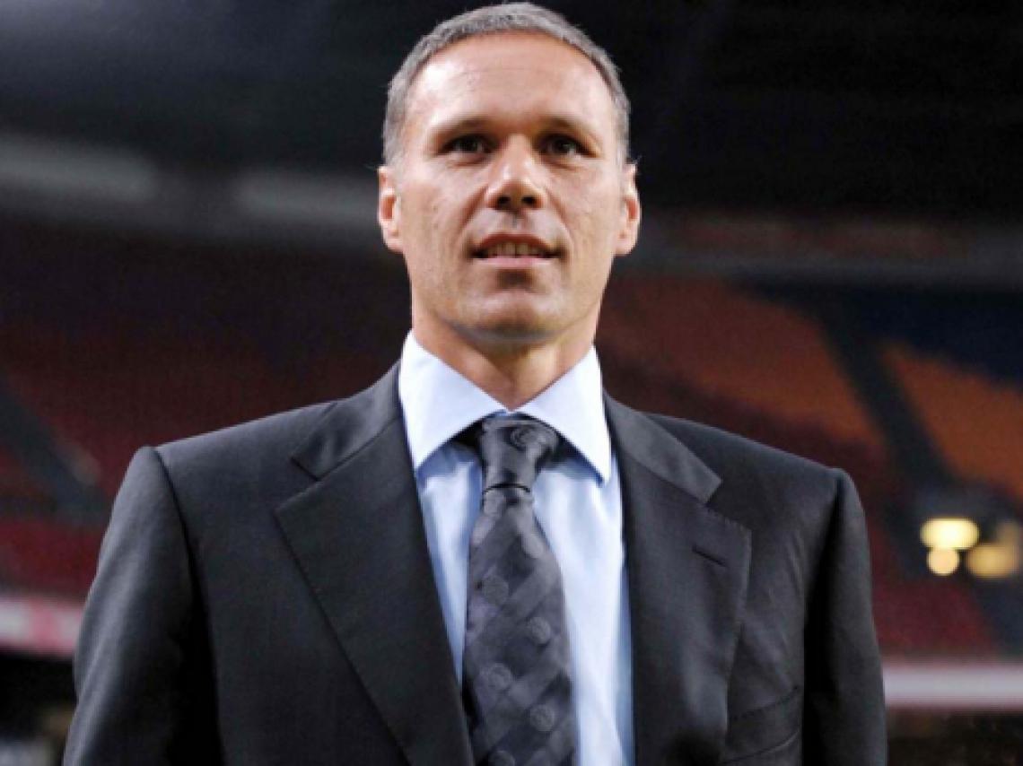 Como jogador Van Besta, jogou em Ajax e Milan