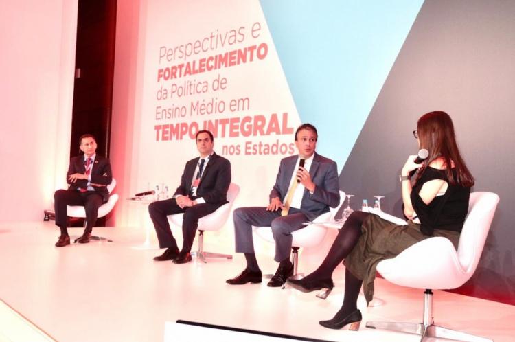 O encontro das autoridades aconteceu em São Paulo, na manhã desta quarta-feira ,27  durante o seminário: