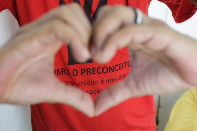 O mês de dezembro estimula campanha de conscientização sobre a aids, doença que pode se desenvolver em pessoas infectadas com o HIV. (Foto: Evilázio Bezerra/O POVO em 30/11/2016)