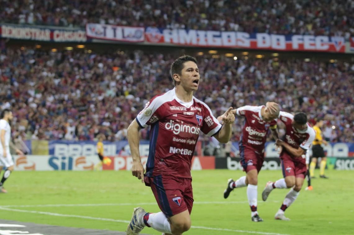 Osvaldo foi o autor do segundo gol do Fortaleza em partida diante do Santos no Castelão