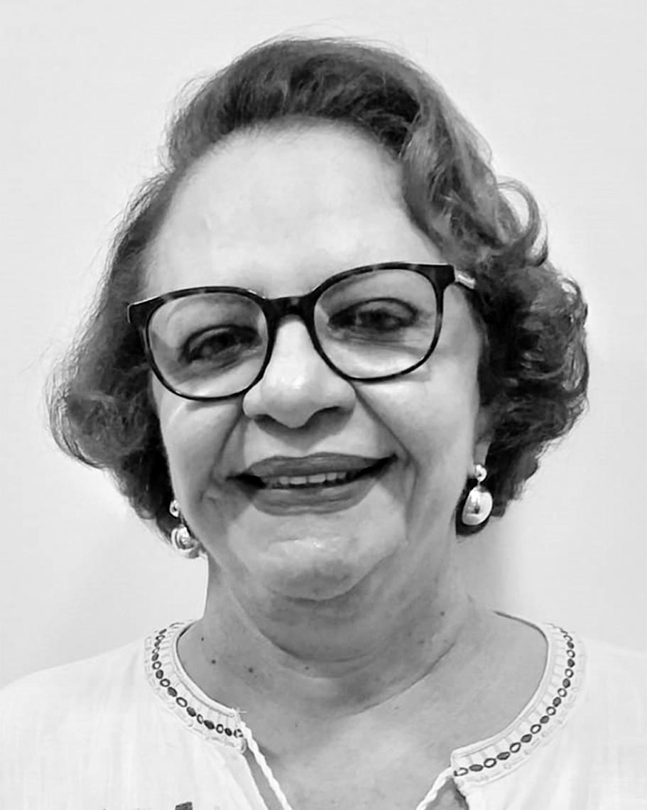 Márcia Alcântara Holanda Médica Pneumologista e membro da Academia Cearense de Medicina