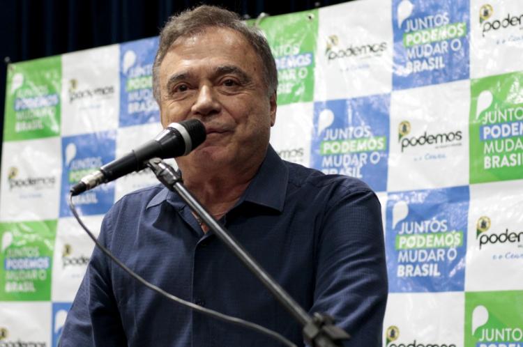 Senador Álvaro Dias (PR), líder do Podemos no Senado, criticou a presença do presidente Jair Bolsonaro (sem partido) em manifestação contra o Congresso e o Supremo Tribunal Federal neste domingo, 19