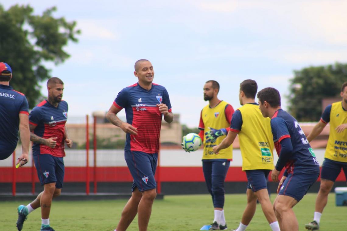 Fortaleza treina do CT do Atlético-GO para encarar Goiás