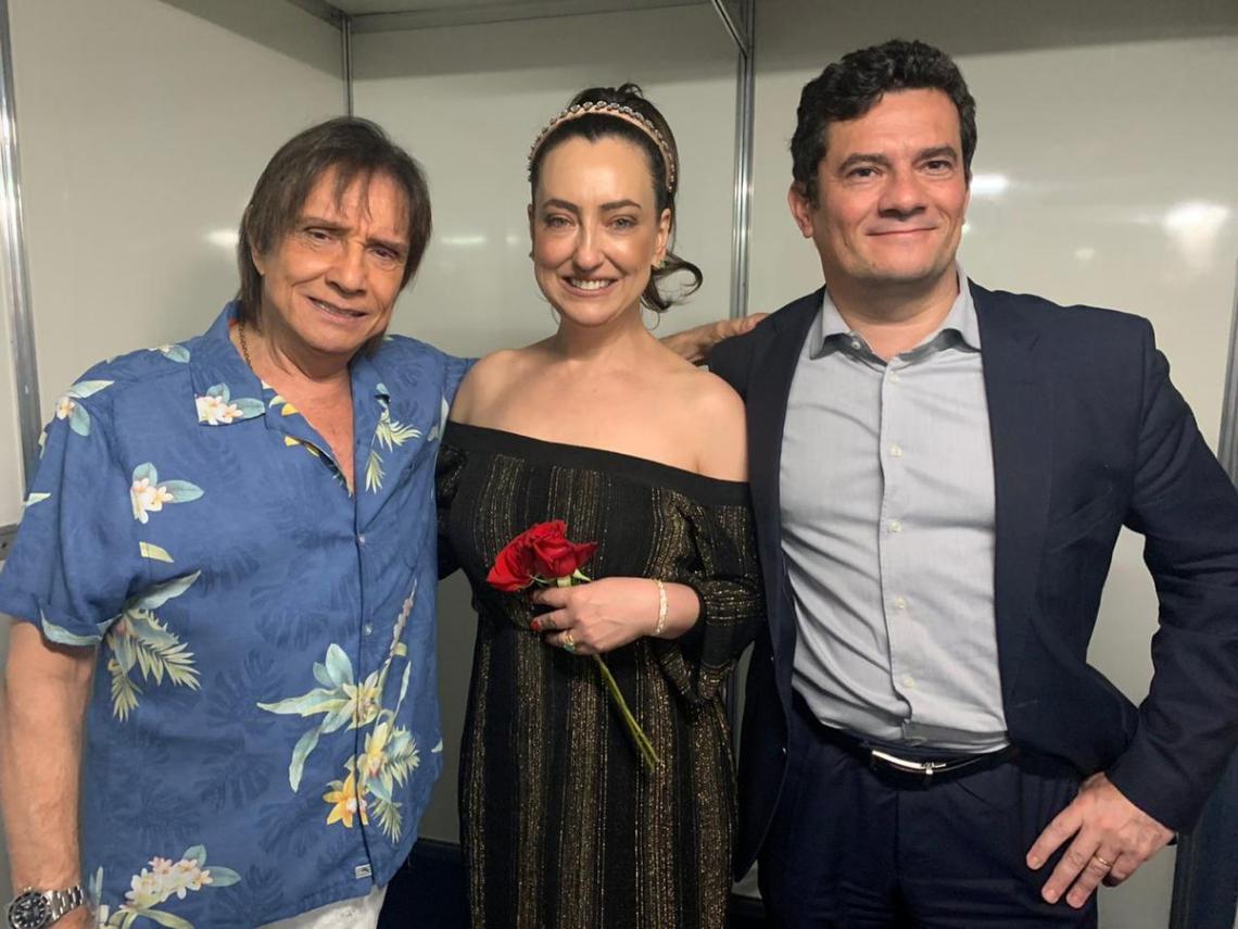 O ex-juiz registrou o momento após espetáculo de Roberto Carlos na Ópera de Arame, em Curitiba