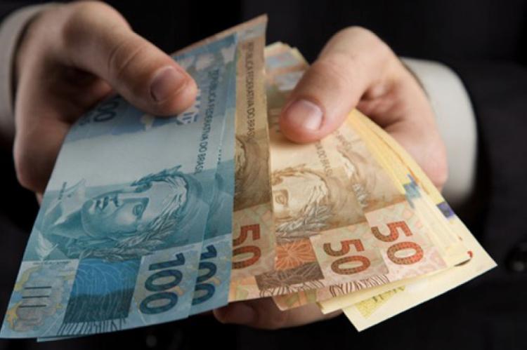 O IPCA é medido em famílias com renda de um a 40 salários mínimos