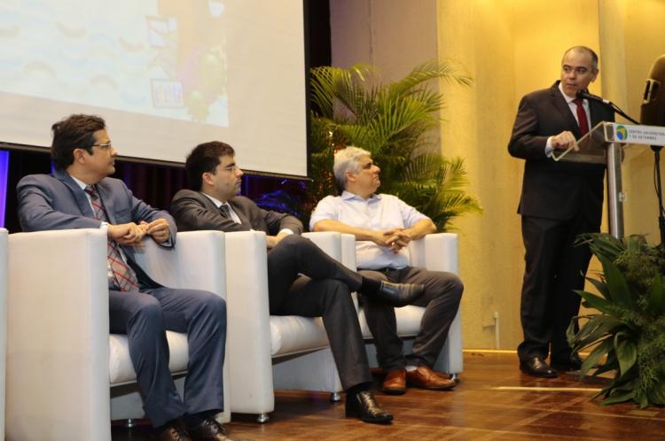 FORTALEZA, CE, BRASIL, 04-12-2019: Seminário Aperfeiçoamento em Gestãio Municipal, no Teatro da UNI7, no bairro Luciano Cavalcante. (Foto: Mauri Melo/O POVO).