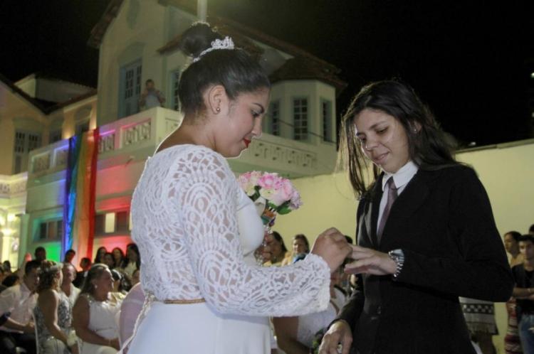 Em 2018, 330 casais se casaram no Estado, sendo 212 casais de cônjuges femininos e 118 de parceiros masculinos.