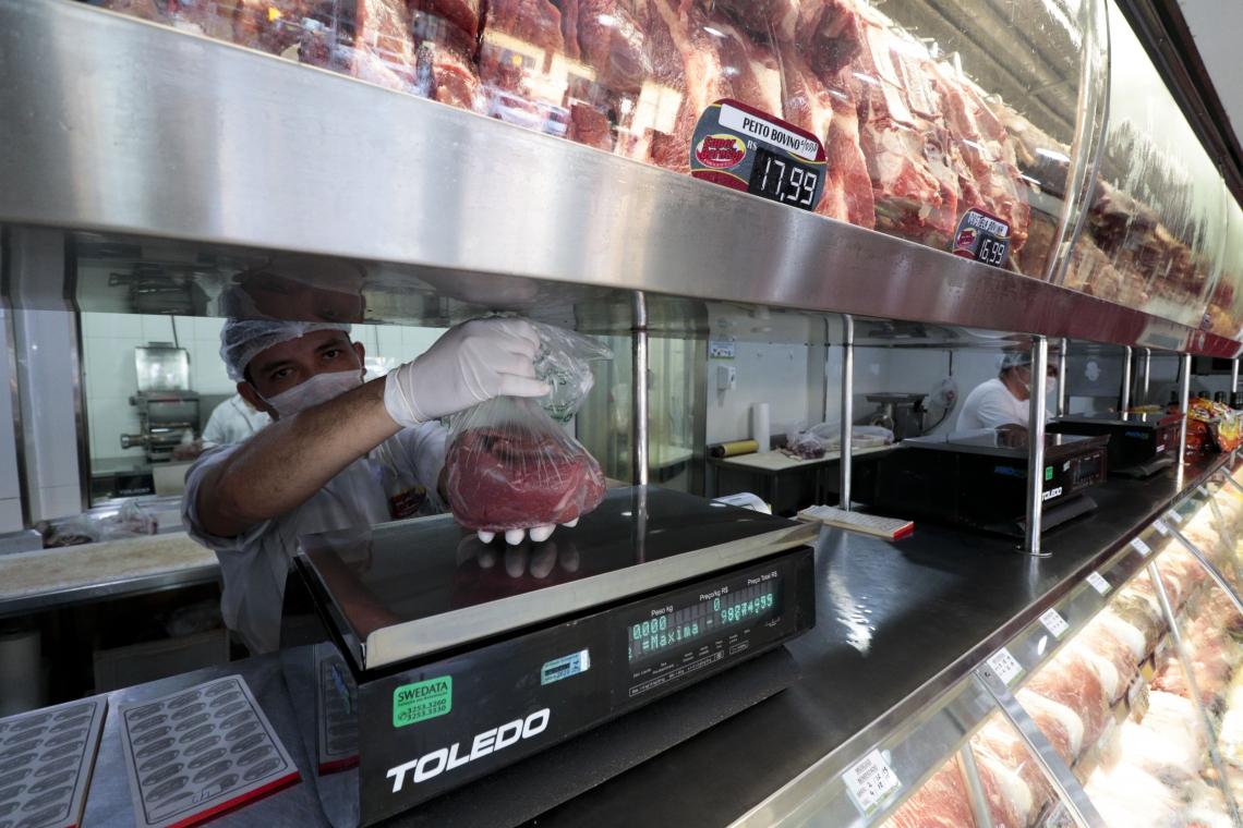 A PROCURA por carne bovina reduziu após o aumento de preços