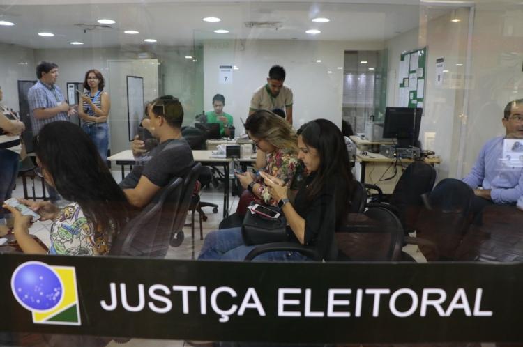 Posto do Tribunal Regional Eleitoral (TRE-CE) no Iguatemi é um dos locais que realizam o cadastro de biometria