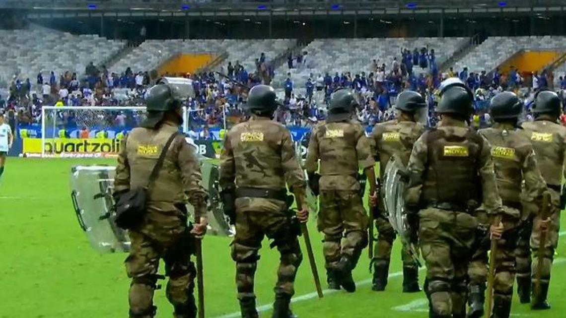 Polícia foi acionada para conter o clima tenso no estádio