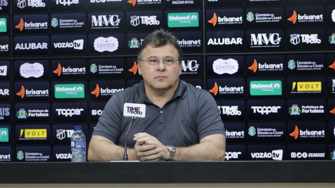 """Robinson de Castro, presidente do Ceará, resolveu adotar uma postura mais """"agressiva"""" para reforçar sua equipe"""