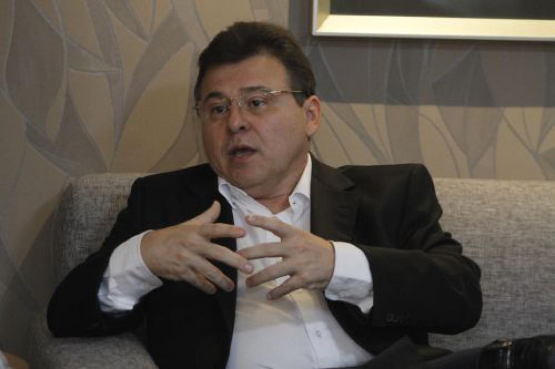 Presidente do Ceará, Robinson de Castrou avaliou retorno do futebol em maio