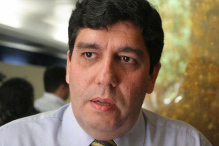 Cabeto é médico e secretário da Saúde do governo Camilo Santana