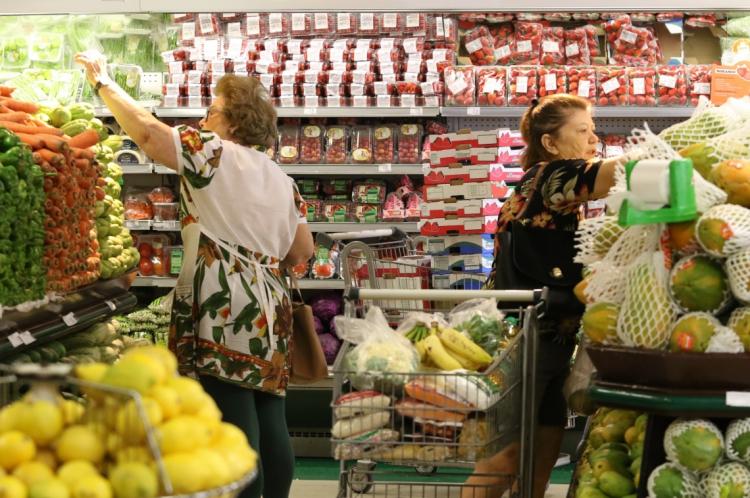 FORTALEZA, CE, BRASIL, 13.12.2019: Supermercado São Luis da Av. Virgilio Tavora. Aumento no numero de supermercados no Ceará.  (Fotos: Fabio Lima/O POVO)