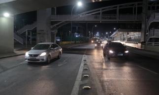 FORTALEZA, CE, Brasil. 16.12.2019: Fluxo de veículos na Av. Aguanambi. Trânsito no início da noite. Diminuição do valor do IPVA em 2020. (Foto: JÚLIO CAESAR / O Povo)