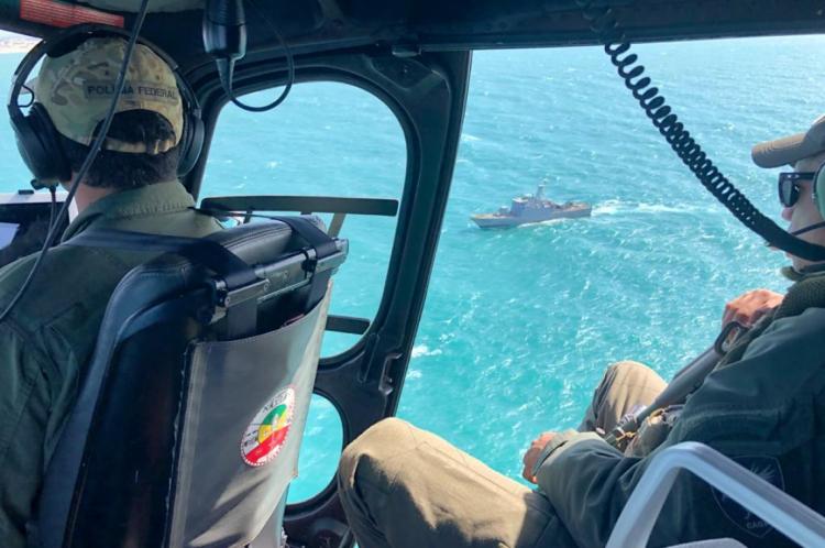 Equipes da Pf trabalharam com a Marinha do Brasil