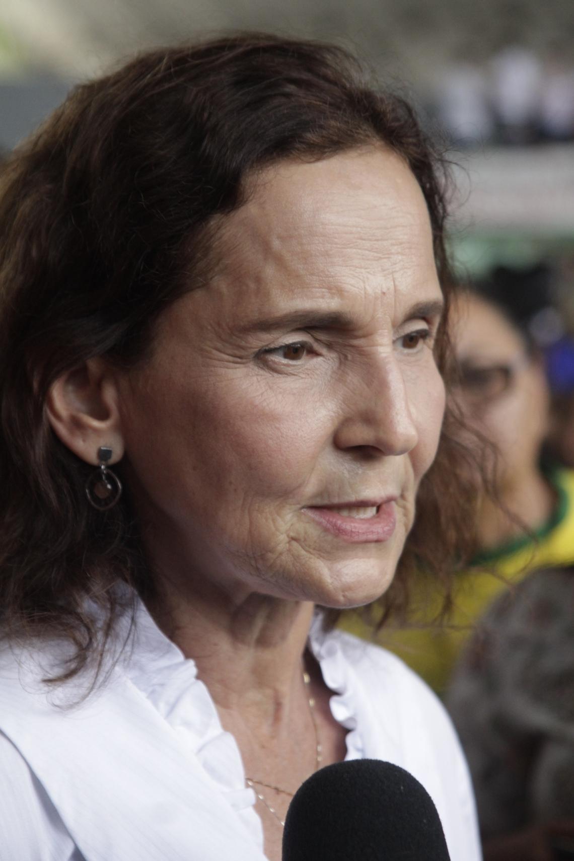VICE-GOVERNADORA Izolda Cela afirmou que está em isolamento desde que detectou os primeiros sintomas