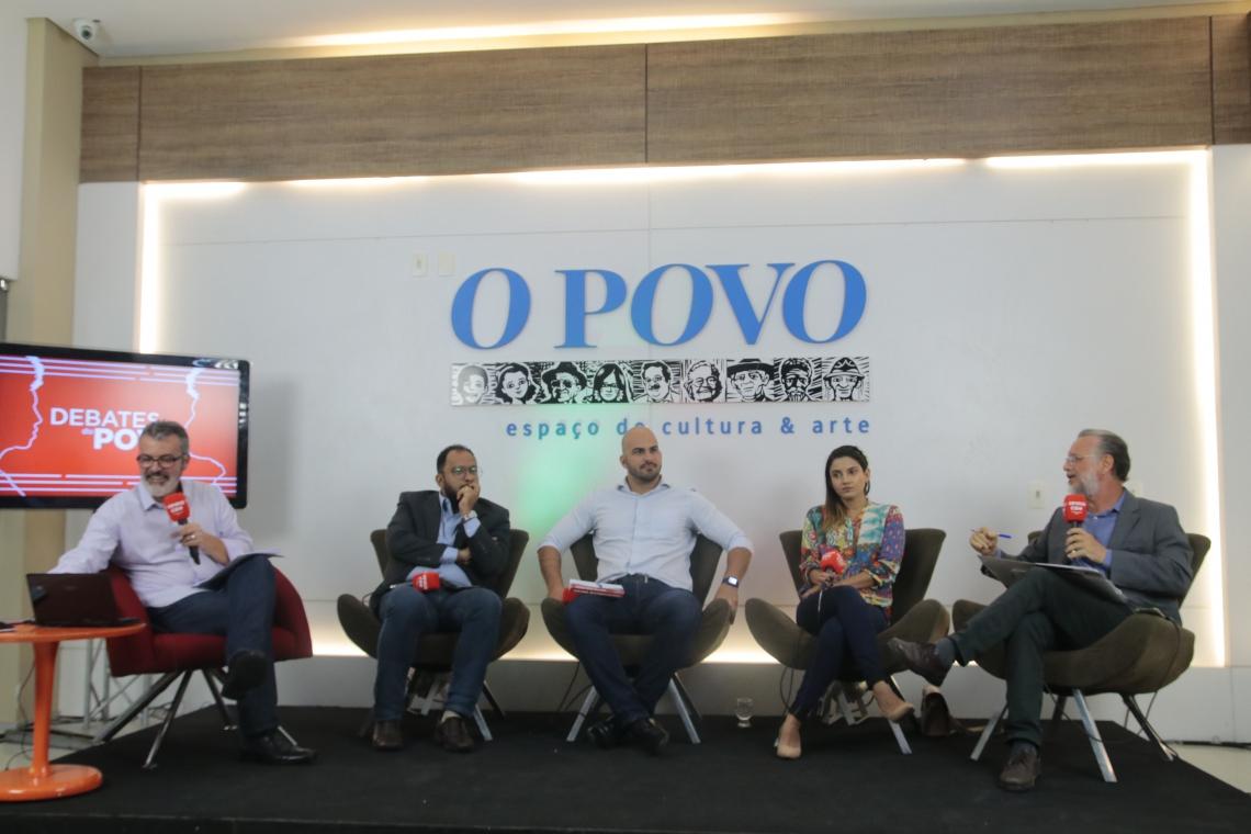 Marcos Tardin, âncora do programa, recebe o advogado e ator Haroldo Guimarães, o vice-presidente do PSL Ceará, João Luiz Frota, a doutora em filosofia Catarina Rochamonte e o jornalista Plínio Bortolotti