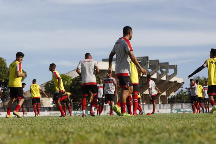 Jogadores do Ferroviário treinam antes da pandemia  (Foto: Fco Fontenele/O POVO)