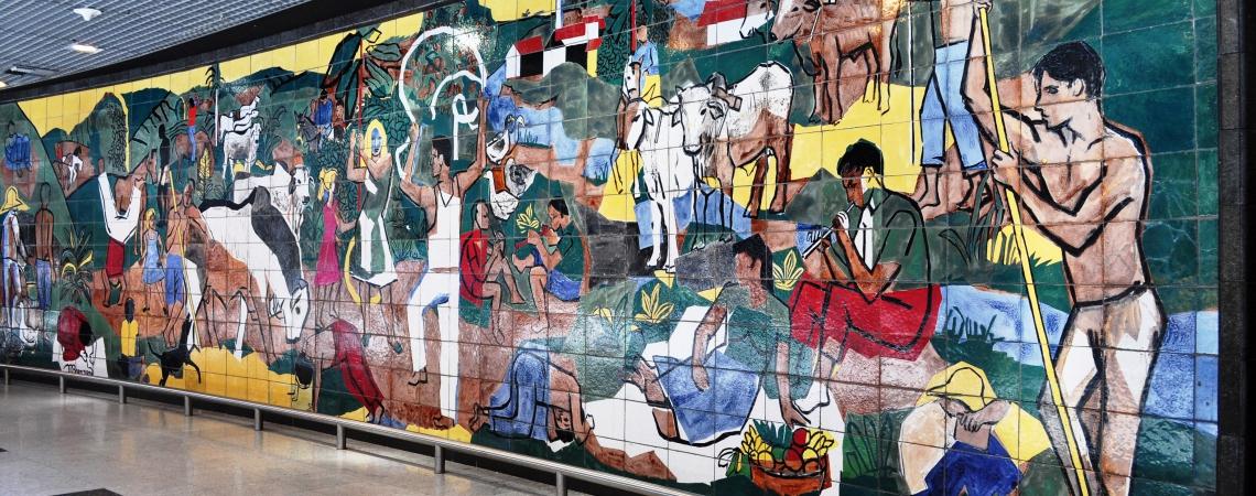 O painel de cerâmica no Aeroporto do Guararapes, em Recife, foi feito por Francisco Brennand em 1951