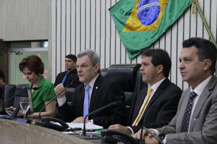 FORTALEZA, CE, BRASIL, 19-12-2019: Votação da Previdência estadual, na Assembléia Legislativa do Ceará. (Foto: Mauri Melo/O POVO).