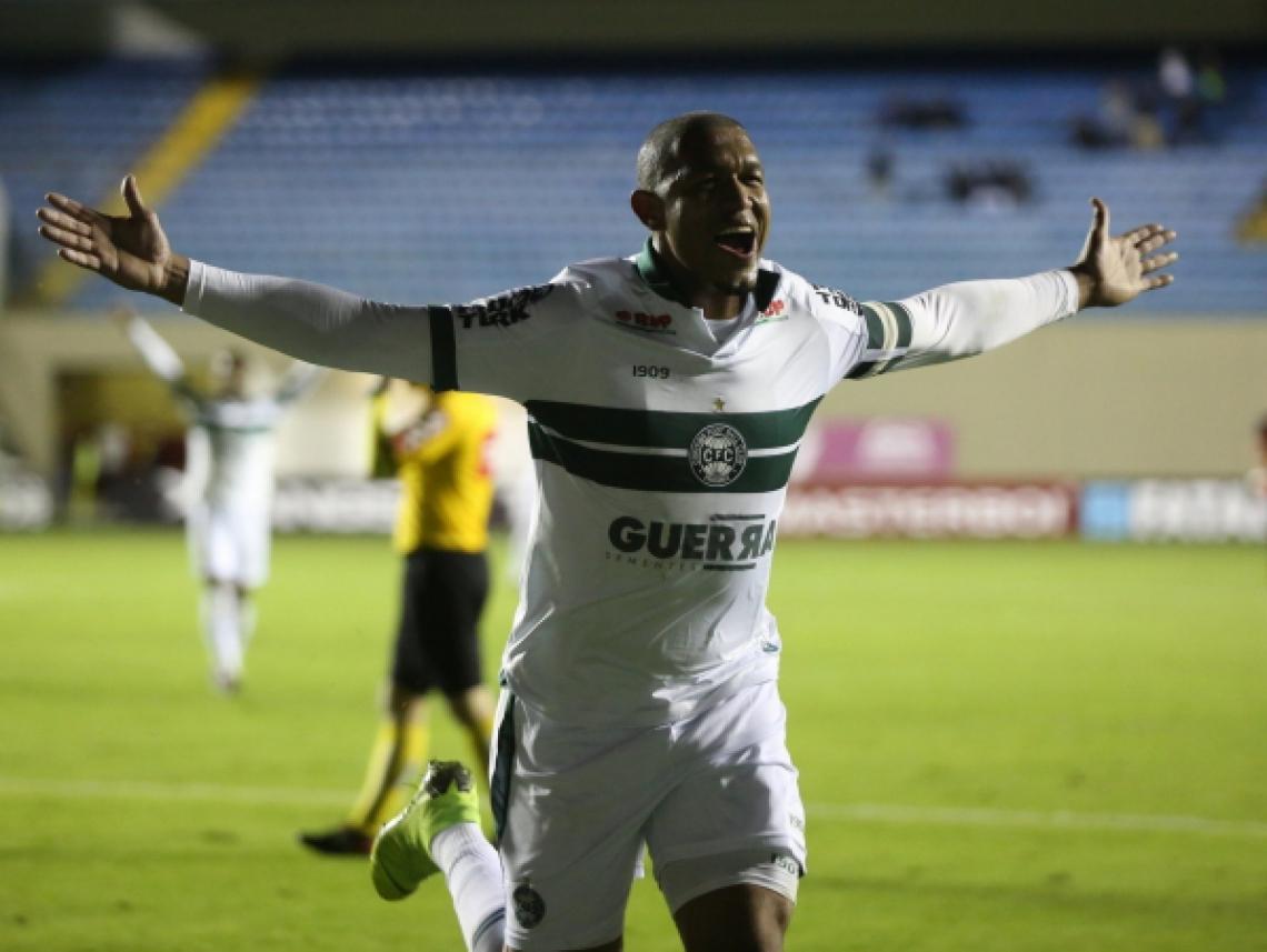 Rodrigão fez 13 gols pelo Coxa na Série B