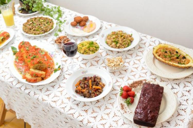 O restaurante Veganisa tem opções de pratos principais veganos para ceia de Natal e Réveillon, além de serviço de entrega