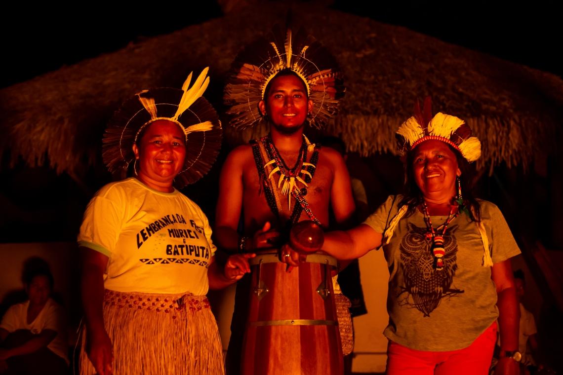 ITAPIPOCA, CE, BRASIL, 06-11-2019: Expedição Borboletas. índios tremembés dançando o torem (Foto: Aurelio Alves/O POVO)