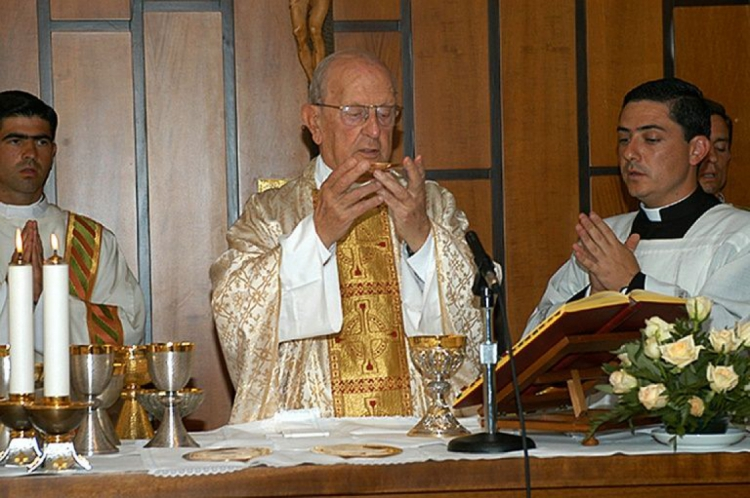 Marcial Maciel, fundador da congregação católica Legionários de Cristo, em 15 de agosto de 2005, em Roma