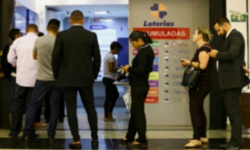 A Mega Sena não terá sorteio hoje, quarta, 25 de dezembro (25/12). A loteria volta a ser sorteada nesta terça-feira, 31 de dezembro (31/12)