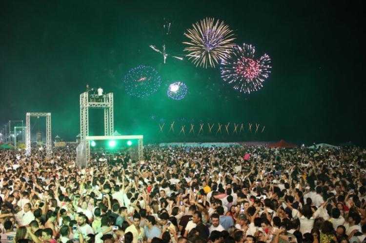 Bebidas alcoólica fazem parte da maioria das comemorações de Ano Novo. No Aterro da Praia de Iracema não é diferente
