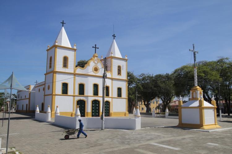 FORTALEZA - CE, BRASIL, 27-12-2019: EXPEDIÇÃO DAS BORBOLETAS. IGREJA MATRIZ DE AQUIRAZ. (foto: Júlio Caesar / O Povo)