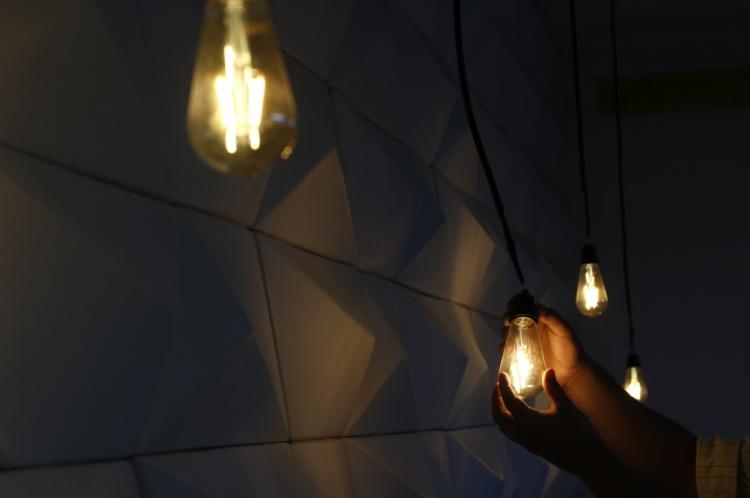 Consumidor cadastrado na Tarifa Social de energia pode ter cálculo diferenciado na conta de luz independentemente da faixa de consumo