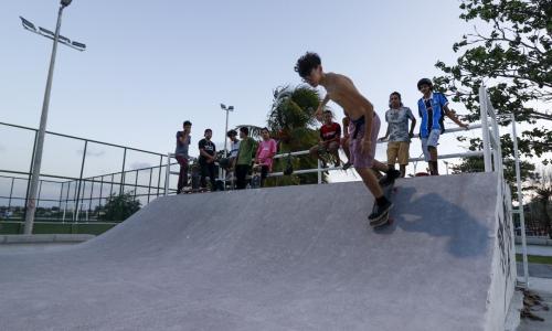 Orla da Lagoa da Parangaba recebeu pista para prática de skate