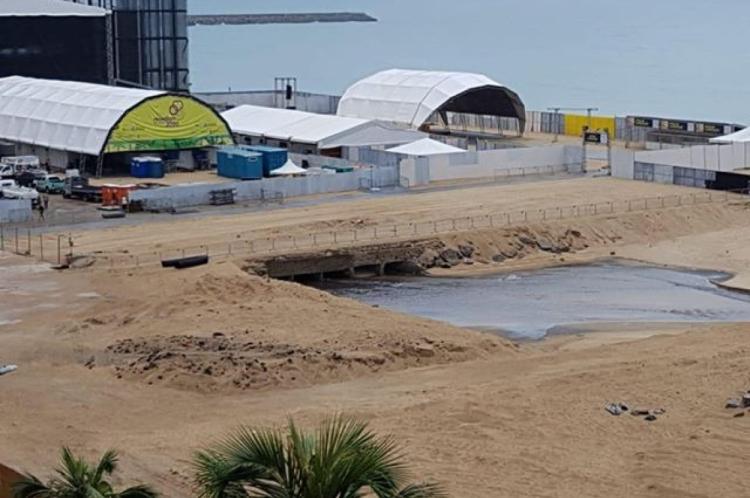 Região inundada depois da chuva de hoje, 30, está isolada por causa das obras.