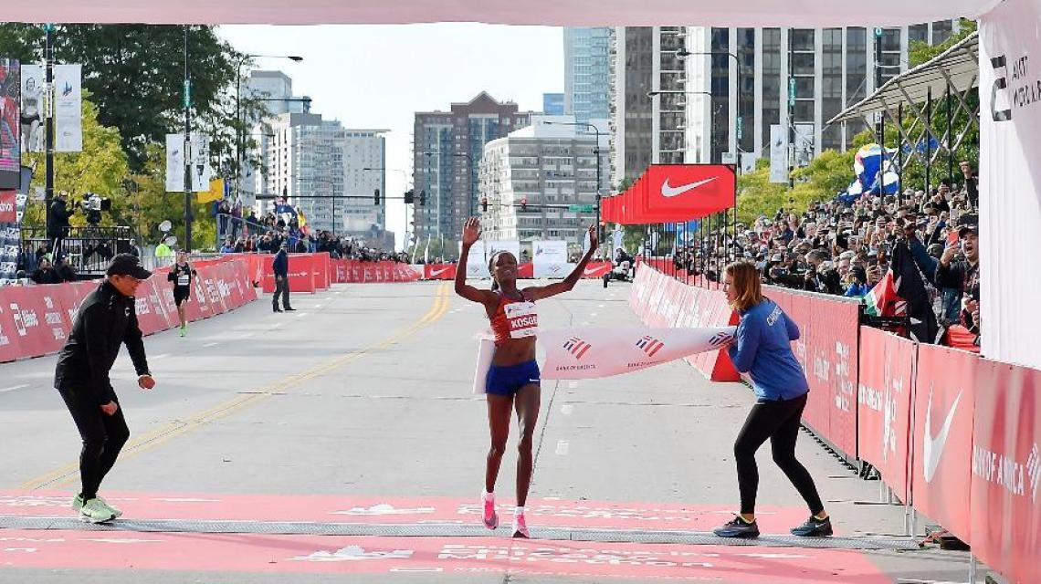 Brigid Kosgei liderou de ponta a ponta a corrida