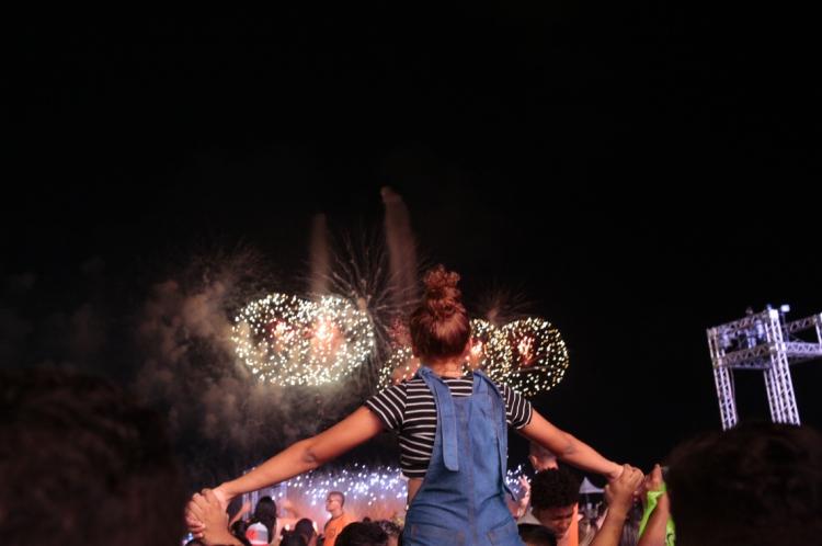 O principal motivo para turistas visitarem Fortaleza foram as atrações dos fogos de artifício, a música e a gratuidade