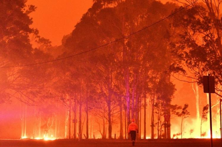 As queimadas ocorrem desde setembro e já destruíram mais de 4 milhões de hectares no país da Oceania. No Brasil, o risco de aproximação começa pelo Rio Grande do Sul.
