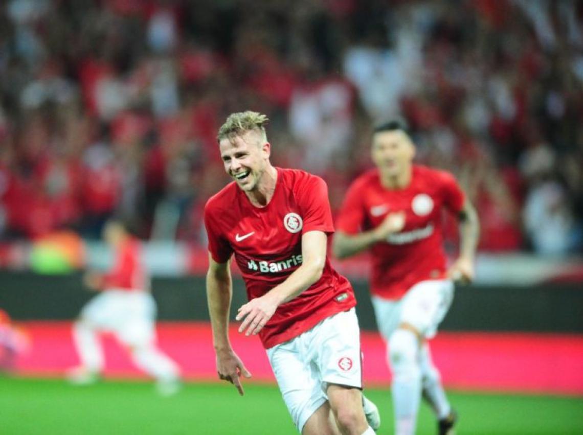 Klaus comemora gol pelo Internacional