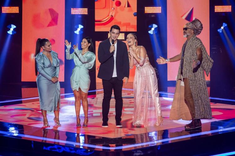 Os hits apresentados na estreia foram bem diversos (Foto: Reprodução TV)