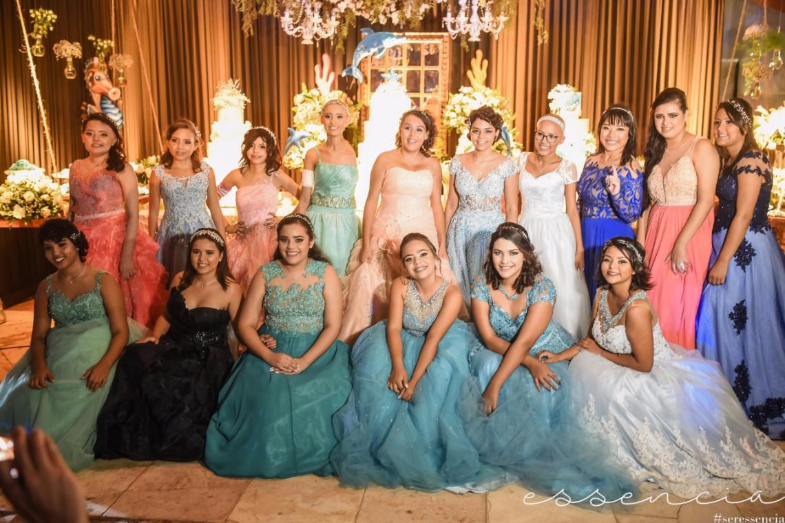 Fotos das edições passadas do Baile de Debutante Solidário