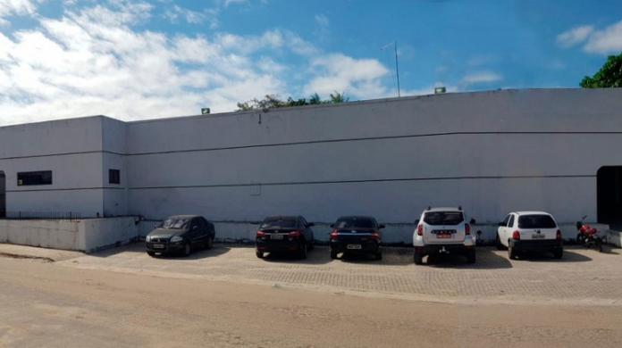 A unidade de Pronto Atendimento fica localizada na rua Naide Costa Menezes, no bairro Aldeia, em Pacajus (Foto: Google Street View)
