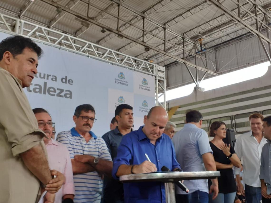 Roberto Cláudio autoriza reforma do ginásio Aécio de Borba