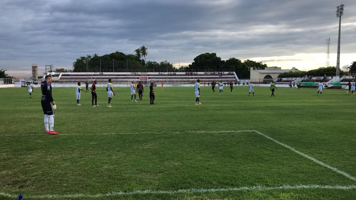 Atlético-CE e Horizonte se enfrentaram no Raimundão pela segunda rodada do Campeonato Cearense