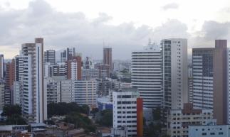 FORTALEZA, CE, BRASIL, 10-01-2020: chuva, tempo fechado e nublado na cidade. Beira-mar, Fortaleza.(Foto:Bárbara Moira/O POVO)